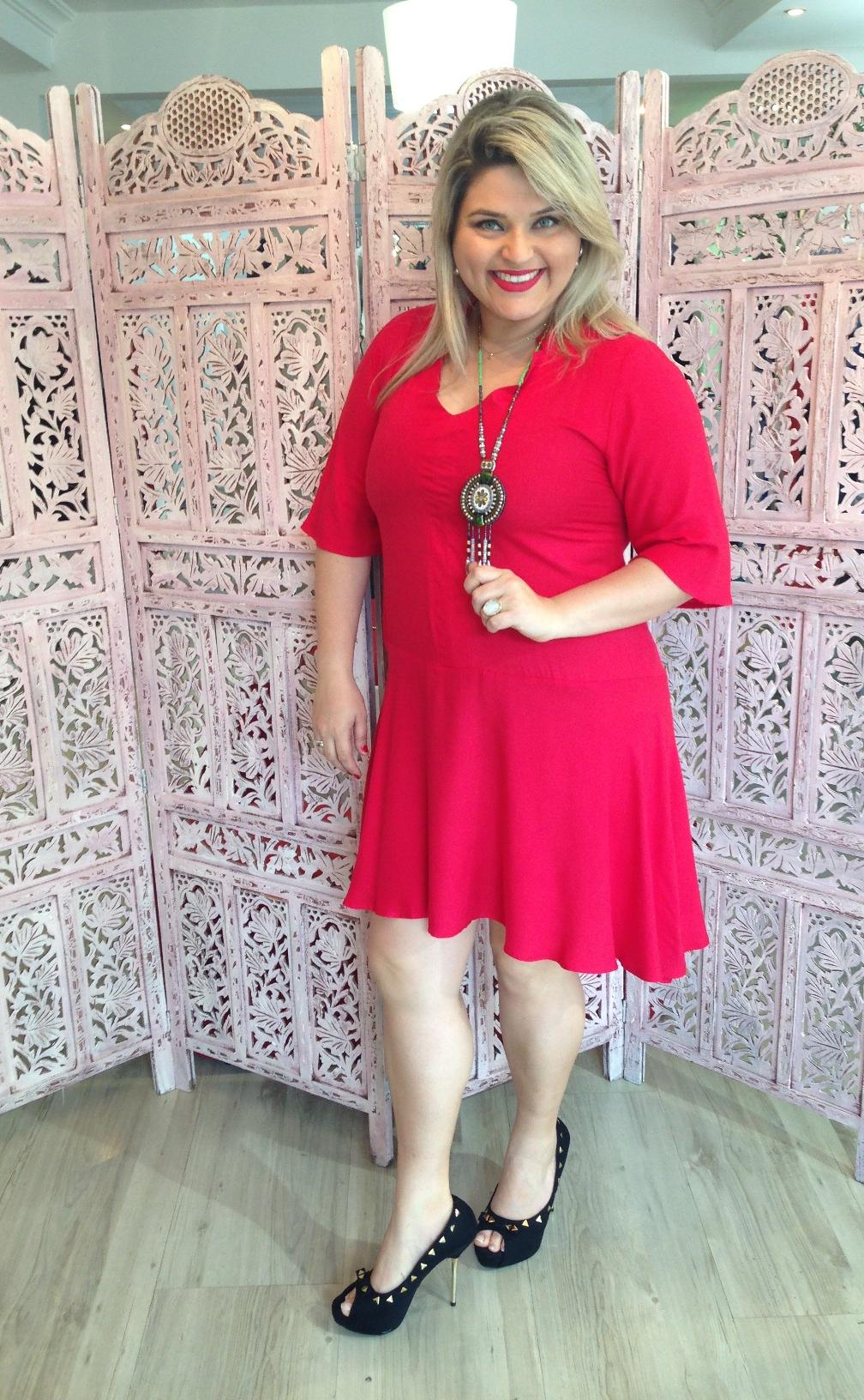 e402e188a Um vestido exclusivo desses, claro né você sabe que ele é da Gudamagoo :D,  pode ser usado em várias ocasiões, e o vermelho paixão é lindo de viver!